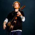 El músico británico Ed Sheeran resultó positivo para Covid-19